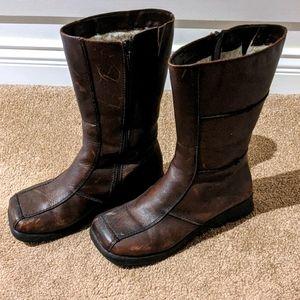 Women's mid calf winter boots